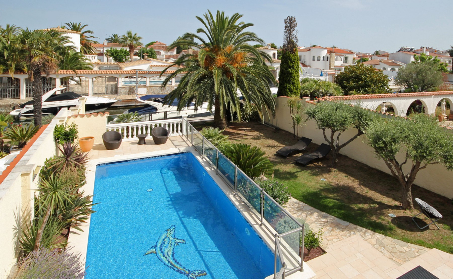 Attractive Villa In Empuriabrava   LV09 MEDES ...