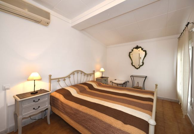 House in Empuriabrava - LV01 ebre